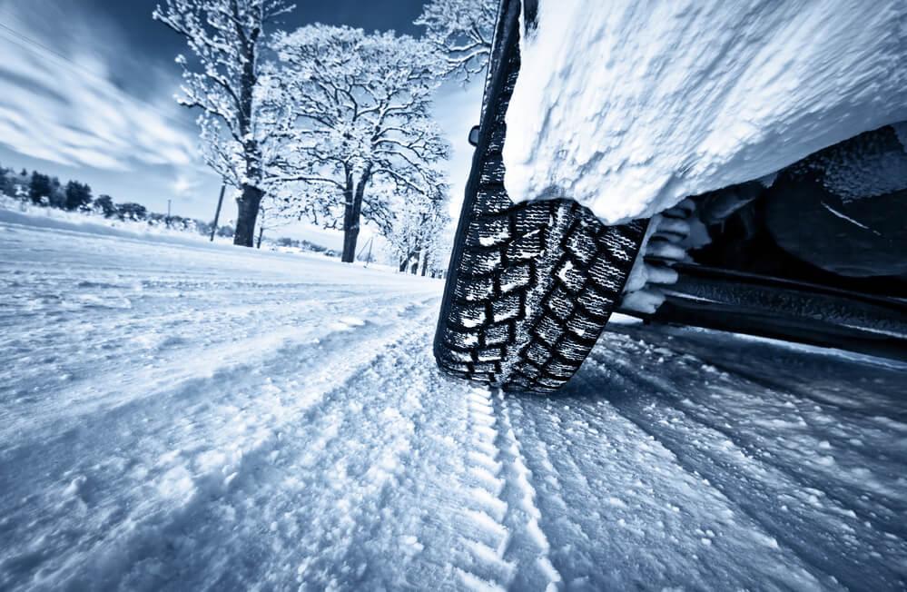 Avis sur les chaussettes neige : comparatif avec les sur-pneus Musher Antiglisse