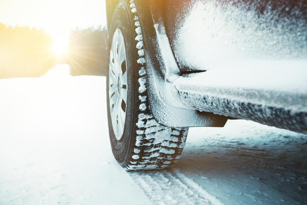 Équiper ses pneus en hiver avec des pneus nordiques, une bonne idée ?